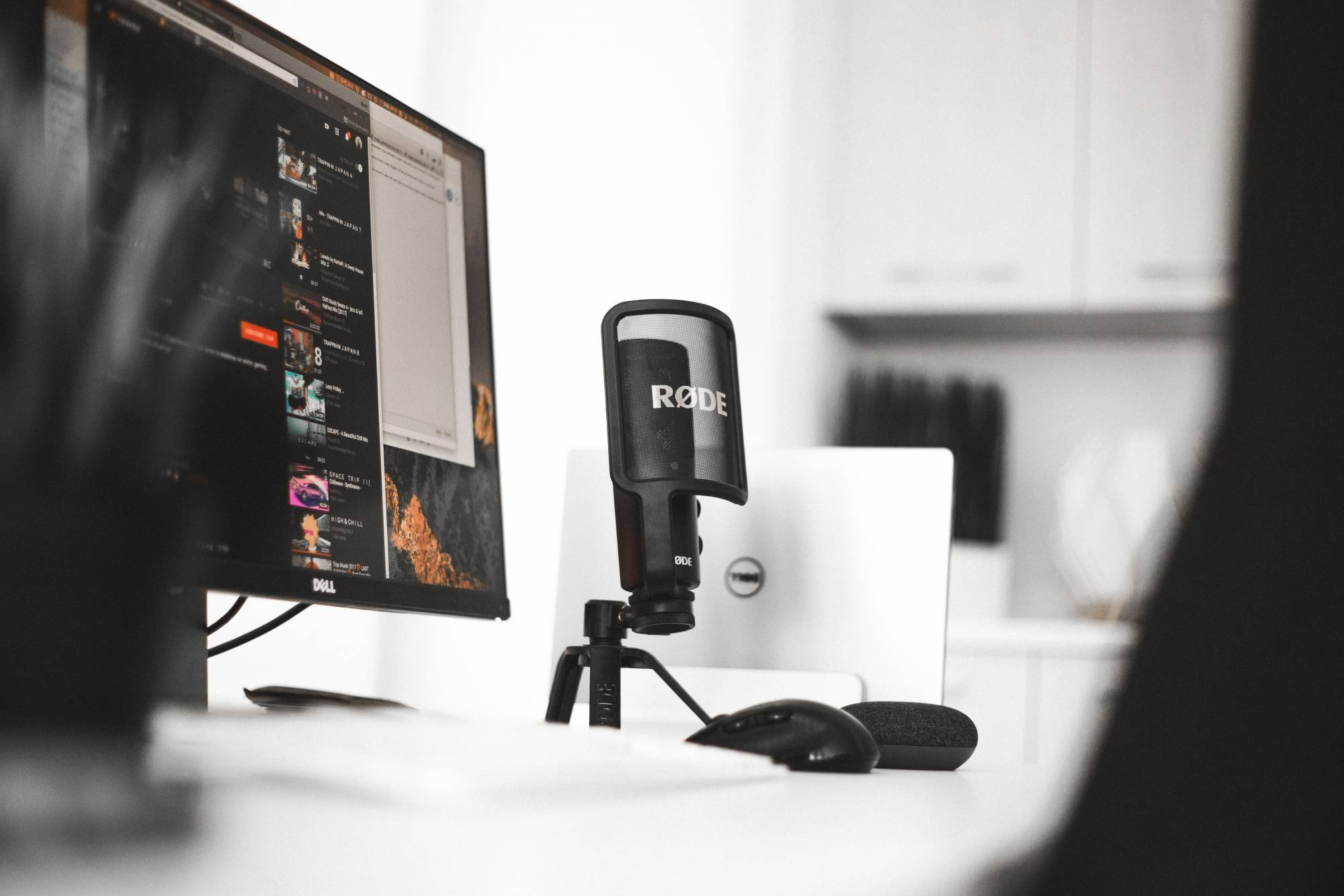 mic on desktop