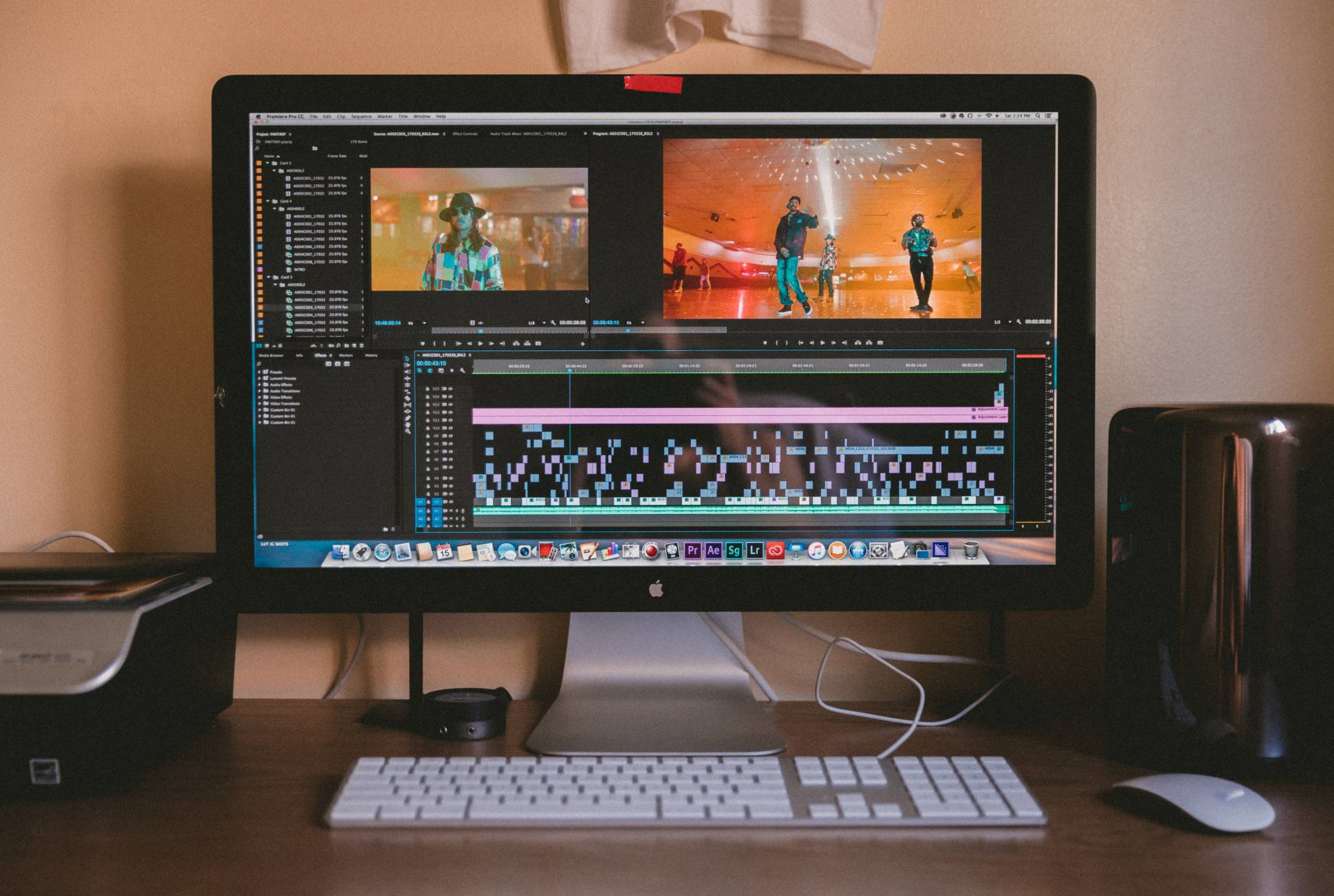Computer with video editing UI