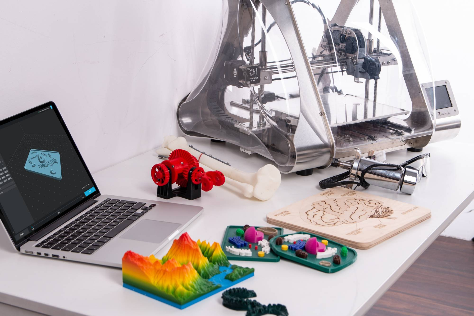 Table with 3D printer
