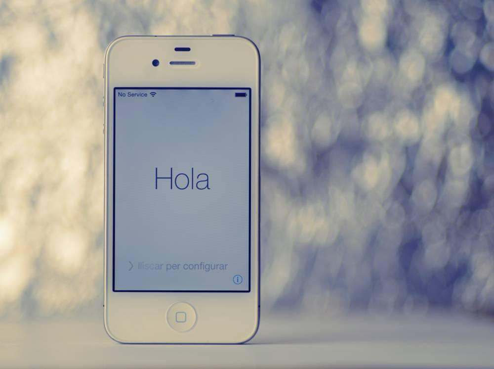iphone on startup screen suggesting spanish language setting